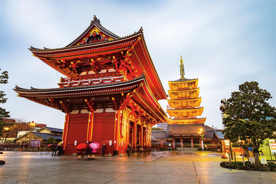 Senso-ji temple. Photography: Shutterstock / Nattee Chalermtiragool.