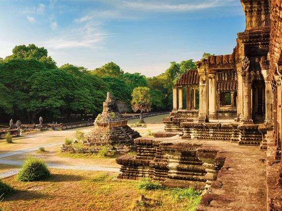 Buddhist Stupa and ancient temple at Angkor Wat. Photography: Shutterstock / Efired.