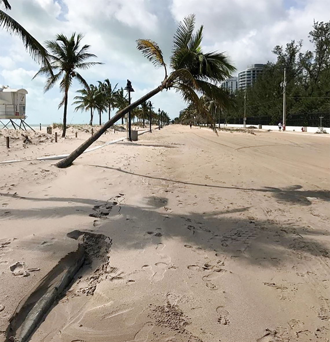 "Instagram: @jhay97 ""Fort laudy beach looking a little extra sandy today.... #HurricaneIrma #Hurricane #Storm #Weather #Rain #Beach #ocean #fortlauderdale #Florocracy #loveFL"